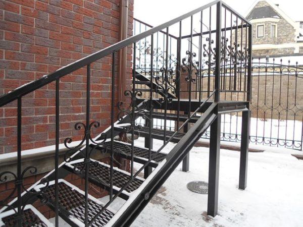 Лестница металлическая ВРл-14